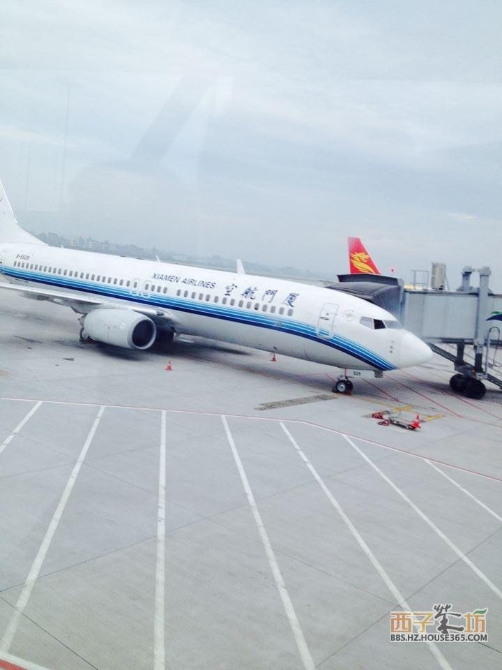 厦门航空的班机,每次从杭州到哈尔滨都是乘厦门航班