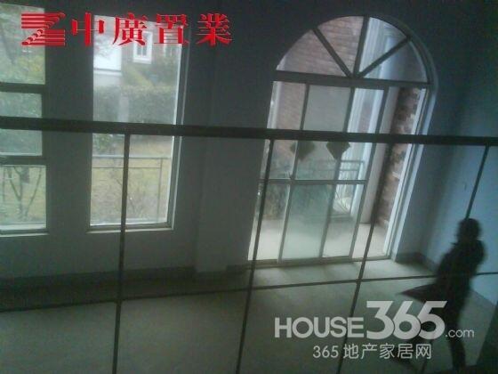 【【中广客厅】爱涛漪水园联排别墅置业挑高里建怎么的我世界别墅图片