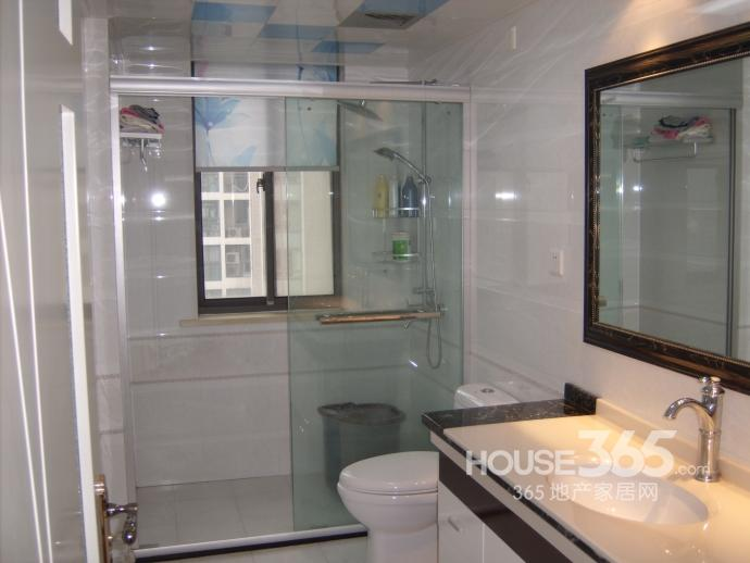 钟山花园城山水居3室2厅2卫137平米整租豪华装