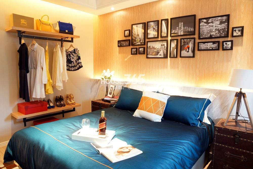 银亿东城B1样板间——卧室