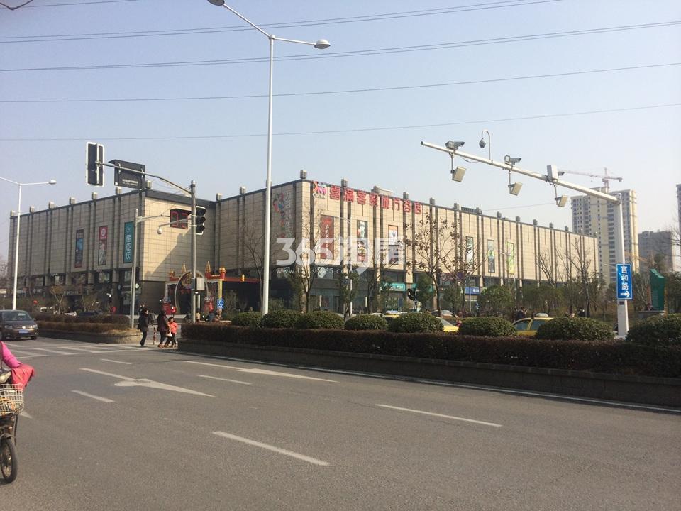中电颐和府邸项目周边万谷慧实景图(04.01)