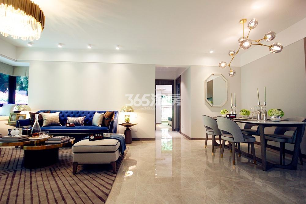 雅居乐国际花园二期128方样板房——客餐厅