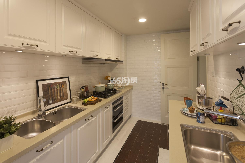 阳光郡140方(D户型)样板房---厨房
