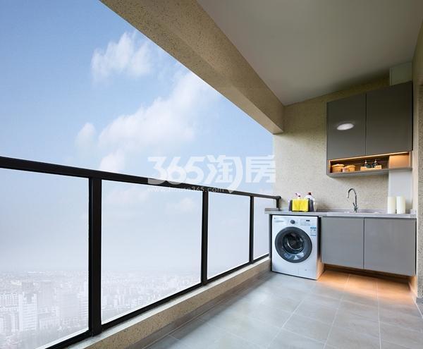 绿地西水东中央生活区W公馆144平样板间--阳台