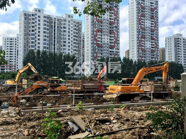 银城东樾府工程进度实景图(2017.8摄)